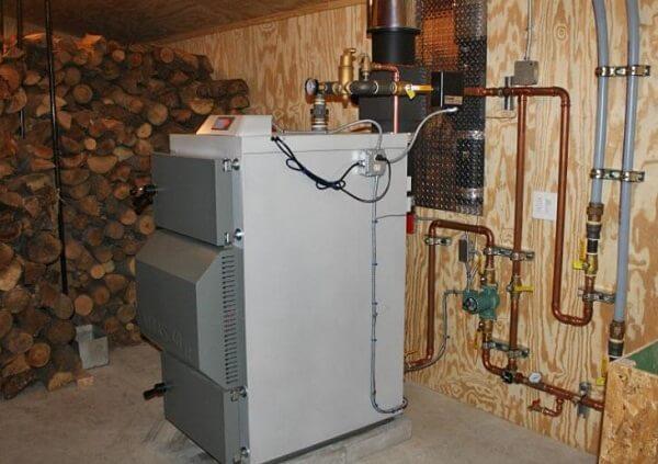 Отопление дачи на дровах, как правильно выбрать теплогенератор и котел, устройство системы своими руками, преимущества оцилиндрованного бревна, фото и видео примеры